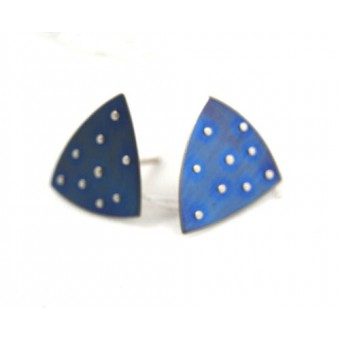Studs (Triangular/Riveted)